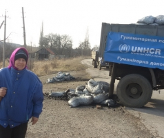 Волонтеры БФАР привезли уголь в поселок Чигири