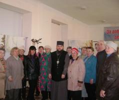 На святой праздник Благовещения в Рубежанский филиал Благотворительного фонда Александра Романовского пришел в гости священнослужитель отец Арсений