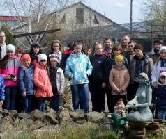 Благотворительный фонд Александра Романовского предоставил автобус детям из Сватово для экскурсии по конным клубам области