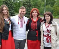 БФ Александра Романовского в Рубежном помог организовать праздник ко Дню вышиванки