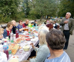Жители Кирова, 27а отметили День двора
